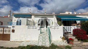 1 soveroms bungalow/hjørne-rekkehus i San Luis/El Chaparral - Torrevieja