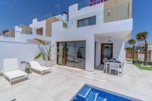 Villa Beach, 3 soveroms villa med eget basseng 300m fra stranden i Pilar de la Horadada