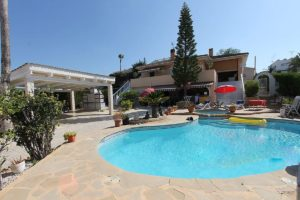 4 soveroms vakker og stor villa i La Marina, Costa Blanca Sør