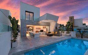 Oceanic A, 3+ soveroms villa med takterrasse og evighetsbasseng i flott område ved Rojales, Costa Blanca Sør