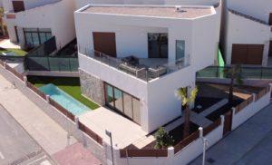 Villa Perl, 3 soveroms villa på hjørnetomt i Benijófar